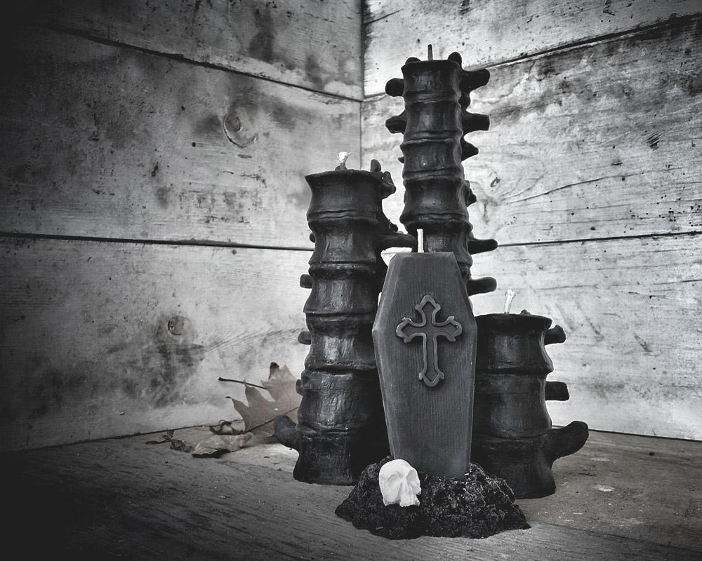 plague-black-candles